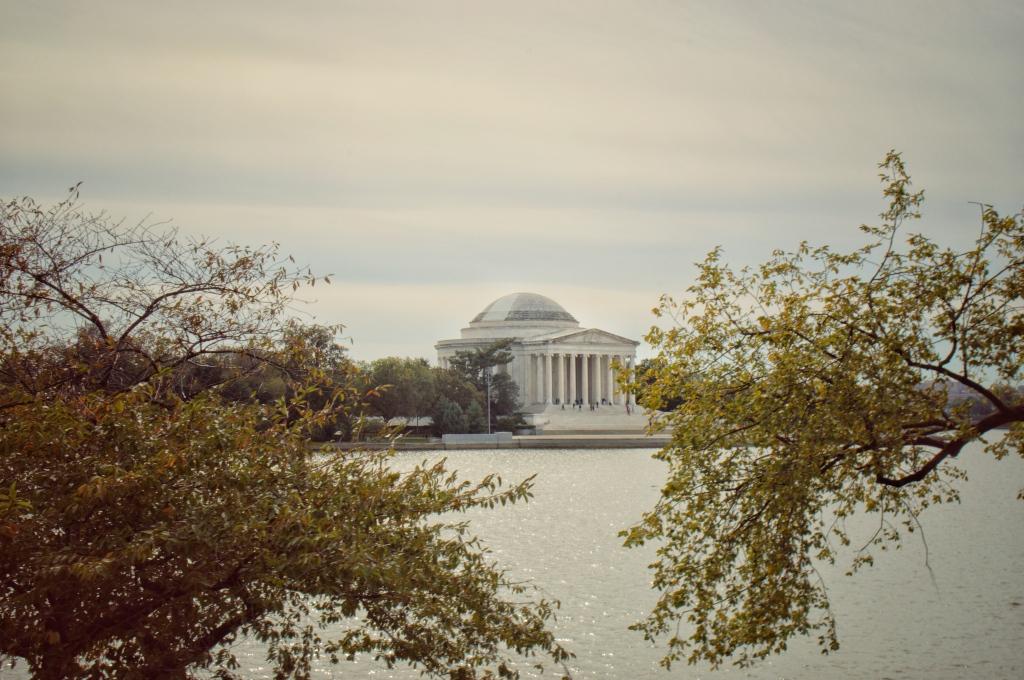 Thomas Jefferson Memorial Washington DC USA, Thomas Jefferson Monument between cherry blossom trees, historical building