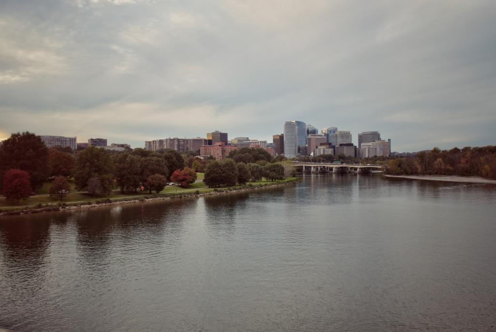 Arlington Virginia along the river